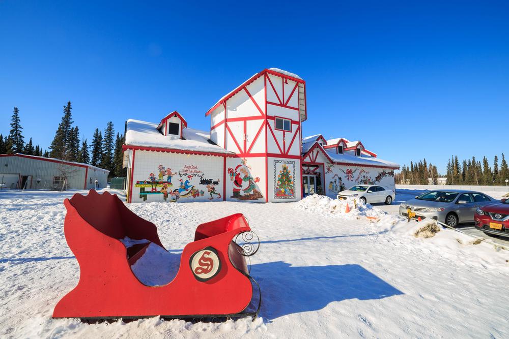 Santa Claus' House in Fairbanks, Alaska | Image Courtesy:Kit Leong / Shutterstock.com